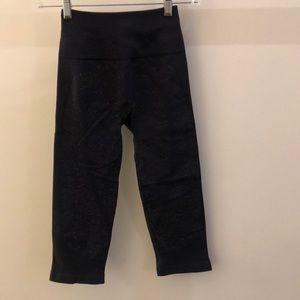 lululemon athletica Pants - Lululemon blue crop legging, sz 4, 69030